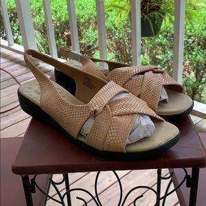 NWB 12M Sandals